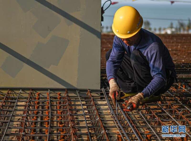 海口:江东新区博亚娱乐登录CBD地标项目钢布局封顶