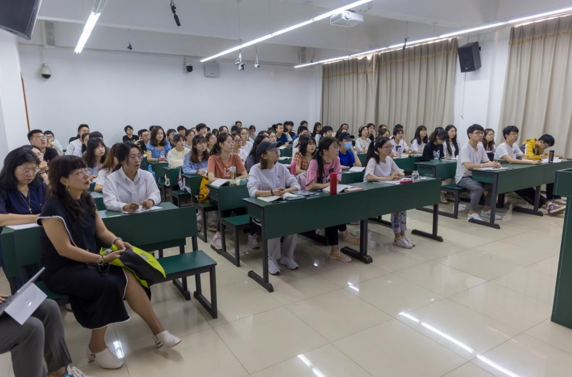 云南:提升党史教育融入思政课教学质量中