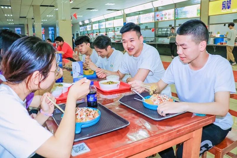 中国新闻网:高校辅导员